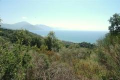 Bouwkavel met zeezicht op een heuvel
