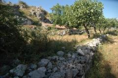 Bouwperceel met te restaureren boerderij in Zuid-Italië