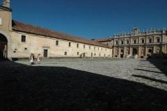 Entreeplein klooster San Lorenzo (2)
