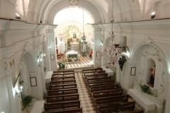 Kerk interieur van de Pietra Santa (2)