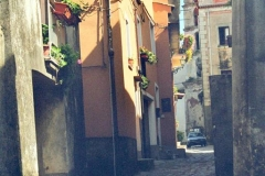 Via Roma met de Chiesa San Gaetano