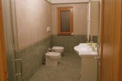 De-kleinere-badkamer