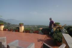 Zeer-ruim-terras-met-een-adembenemnd-uitzicht-