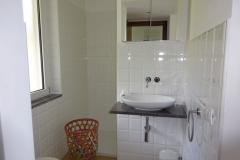 Dependance: moderne badkamer.