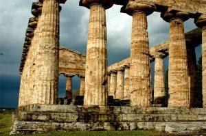 Oudheidkundige opgravingen in Paestum in Cilento